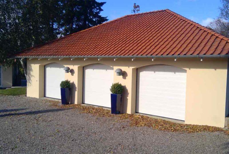3 Hvide NASSAU Classic Garageporte