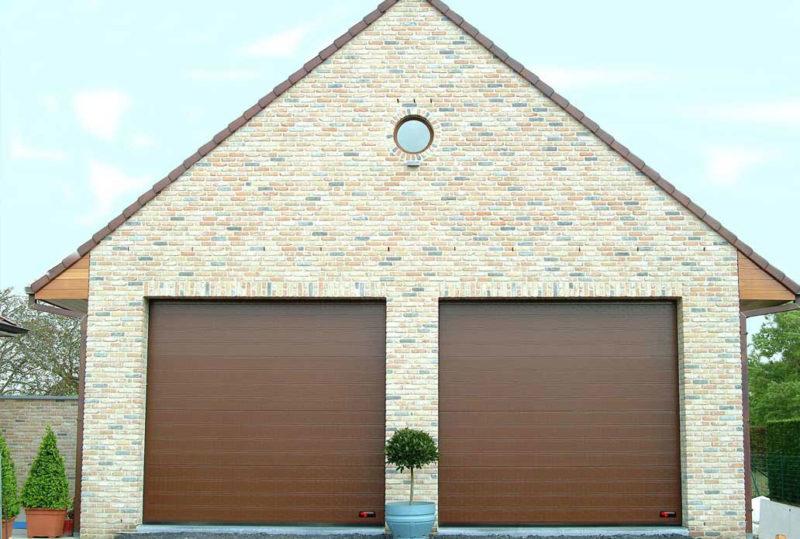 Chokoladebrune NASSAU Classic Garageporte