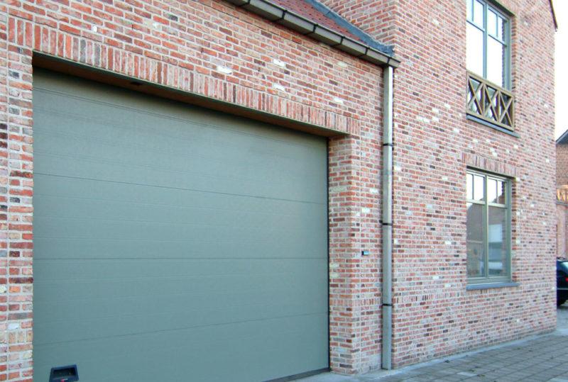 Grøn garageport classic