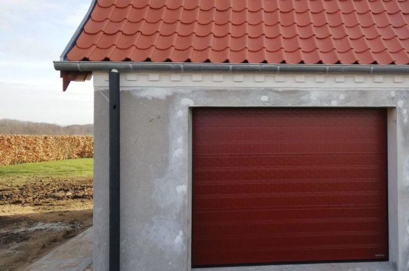 Garageport i rød