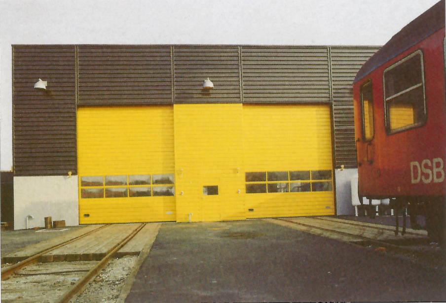 Nassau 2000/10G-porte og Nassau-facader på DSB centralværksted, 1985