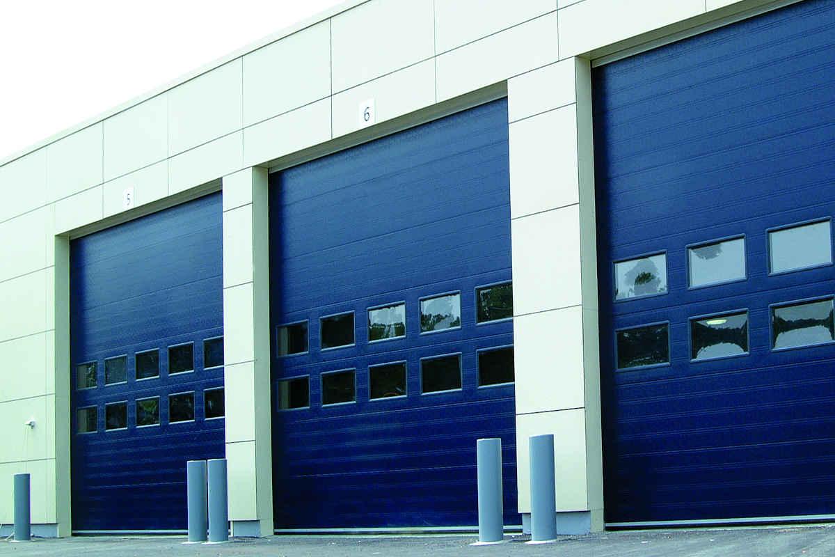 3 blå 9000F NASSAU ledhejseporte til industri