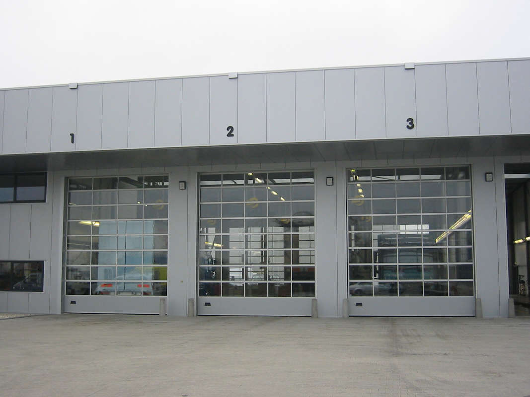 9000G NASSAU ledhejseport med udsyn til værktsteder