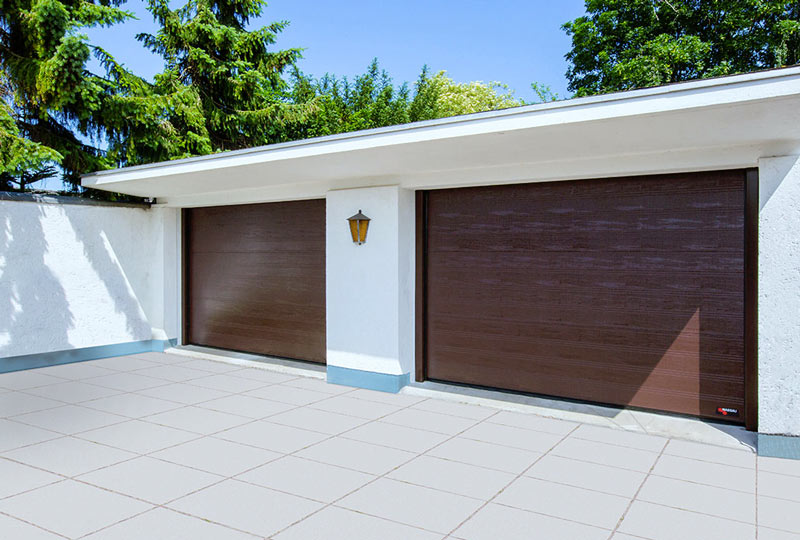 Brune NASSAU Woodgrain Garageporte